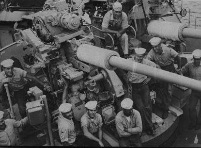 1170 Gun Crew in the 50's courtesy of Art Harding