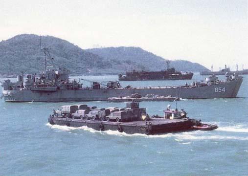 Uss Kemper County and USS Benewah - Vung Tau - 1967